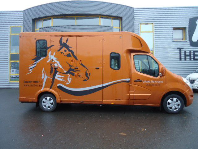 Location camion chevaux proteo haras 5 places 300236 - Comparateur de location de camion ...