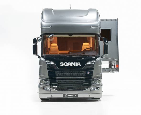 NEUF SCANIA POP-OUT 5 CHEVAUX