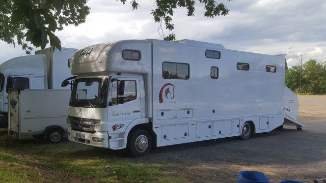 Mercedes 5 places chevaux, home car et aménagement NEUF