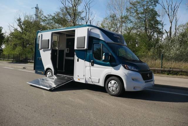 Camion chevaux - HARAS 180 CV - HOME CAR - Stalle