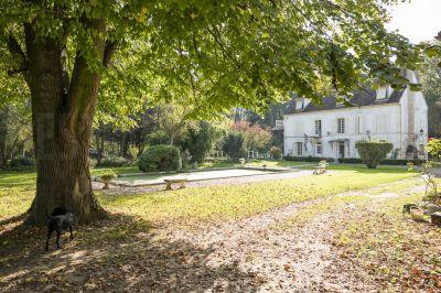 Domaine de prestige dans l'Aube : 7 hectares