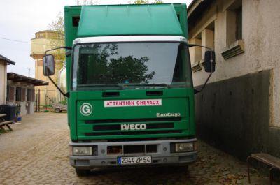 Camion chevaux iveco 6 places