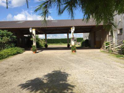 Location boxes dans superbe Domaine Equestre