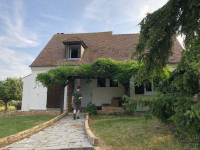 Maison + Gite + Salle de Formation + Manège + Carrière