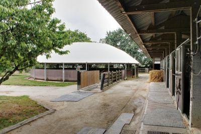 Haras et centre de balnéothérapie sur 25 ha