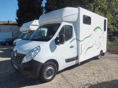 CAMION STALLE CHEVAUX NEUF DCI 150 CV