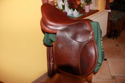 "General purpose saddle Henri de Rivel  17.5 {#inches#}"" 2015 Used"