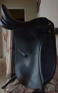 Selle Dressage - 17.5 - Noire