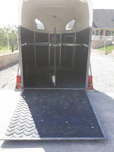 Tapis caoutchouc pour rampe de van, pont de camion