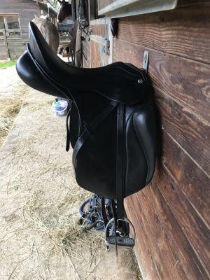 "Dressage saddle Zaldi  17.5 {#inches#}"" 2016 Used"