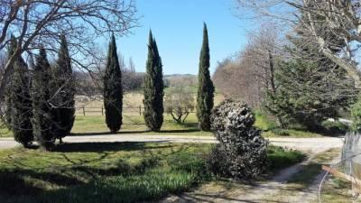 84 - Lubéron Mas en pierres - Piscine - Prairies -