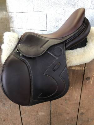 """Jumping saddle Antarès Signature  17 {#inches#}"""" 2019 Used"""