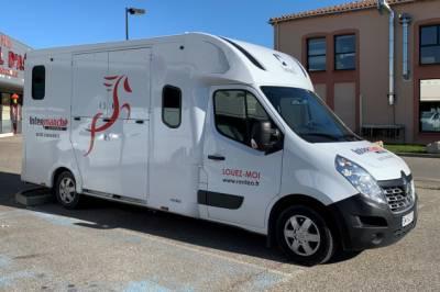 Location camion pour chevaux jonquières