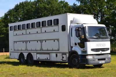 Horsebox NON-HGV Renault premium 370 DCI 2003 Used