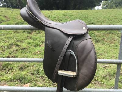 """General purpose saddle GFS  17.5 {#inches#}"""" 2012 Used"""