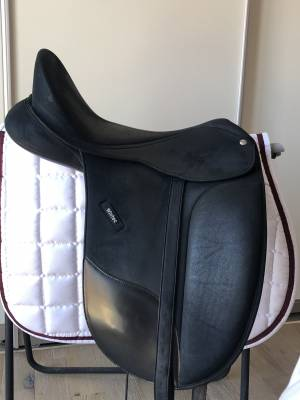 Selle dressage Wintec pro Isabell Werth 18''