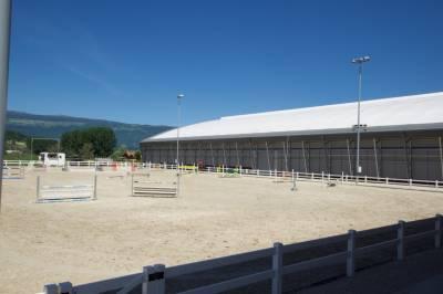 Centre équestre réputé  de 110 boxes en activité