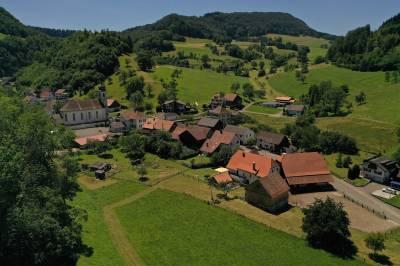 Maison d'hôtes avec stabulation dans le Jura Suisse