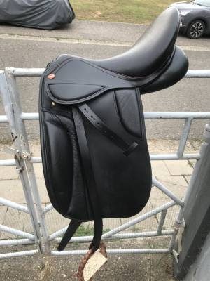 Selle de dressage THESEE