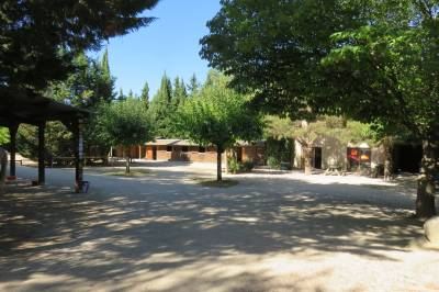 Tres joli centre equestre avec habitation en  vaucluse