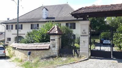 A vendre dans le Jura Suisse, bel maison de Maître