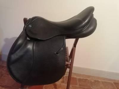 """Jumping saddle Stubben Zahia  17.5 {#inches#}"""" 2014 Used"""