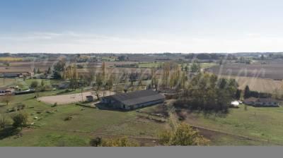 Centre équestre sur plus de 5 ha et sa maison
