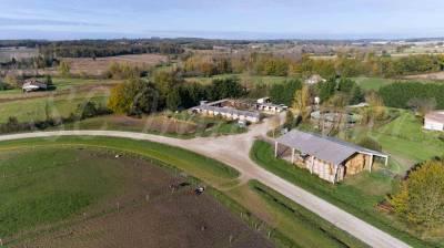 Centre d'entrainement sur 18 hectares ... dans le 47 ..