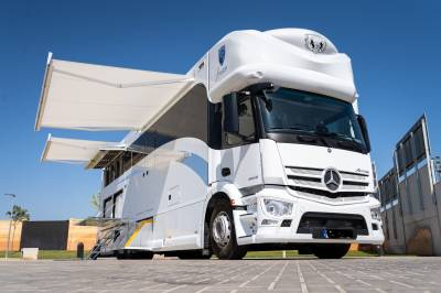 Camion PL Chevaux Mercedes HTS  2020 Neuf