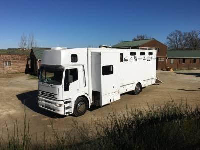 Iveco - 6 places chevaux