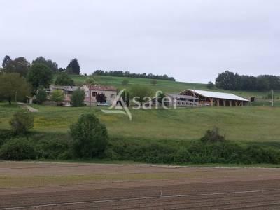 Domaine à vocation agri-touristique, dans le pays de forcalquie