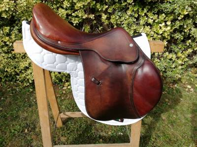 Selle d'équitation hermès mixte, 1500 euros