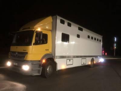 Mercedes axor 240 chx 6 chevaux & appartement 4 places