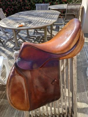 "General purpose saddle Devoucoux Biarritz 17 "" 17"" 1995 Used"