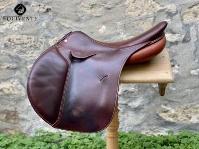 """Jumping saddle Macel  17"""" 2015 Used"""