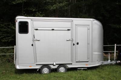 Remorque anka 2 chevaux + home car & sellerie