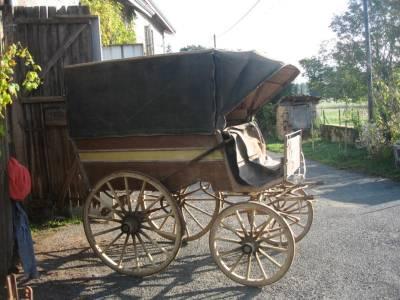 caleche 4 roue avec capote et capucine d origine