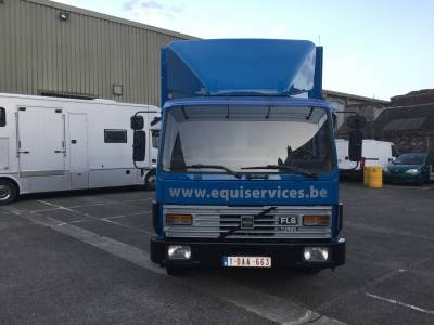 Camion chevaux Volvo FL6  mobilhome charge utile 3635KG
