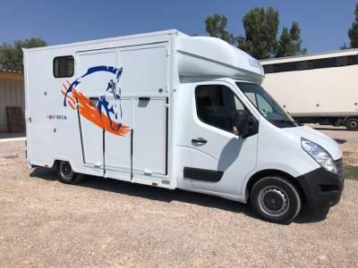 Camión Caballos hasta 7.5MMA  Renault master 2018 De segunda mano