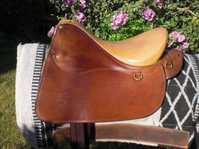 """Horseback riding saddle Forestier EVASION 17"""" 1991 Used"""