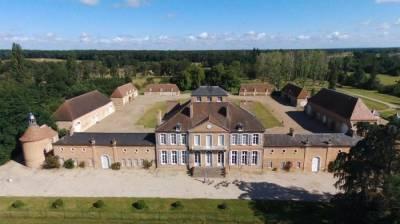 Château de prestige sur 15 ha – secteur auvergne (03)