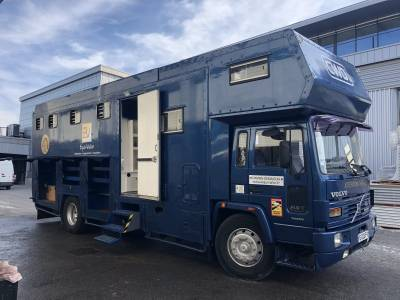 Camion VOLVO FL617 5/6 places
